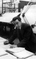Tom Barton один из группы инженеров Land Rover, отвечал за разрабатку передачи транспортного средства